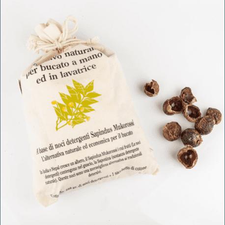 sacchetto di noci di sapone con istruzioni per l'uso  stampate sull'esteerno