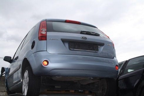 deposito auto danneggiate, demolizione automobili, rottamazione auto