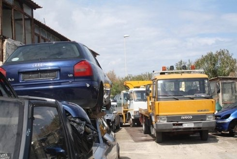 soccorsi stradali, recupero mezzi, recupero auto danneggiate