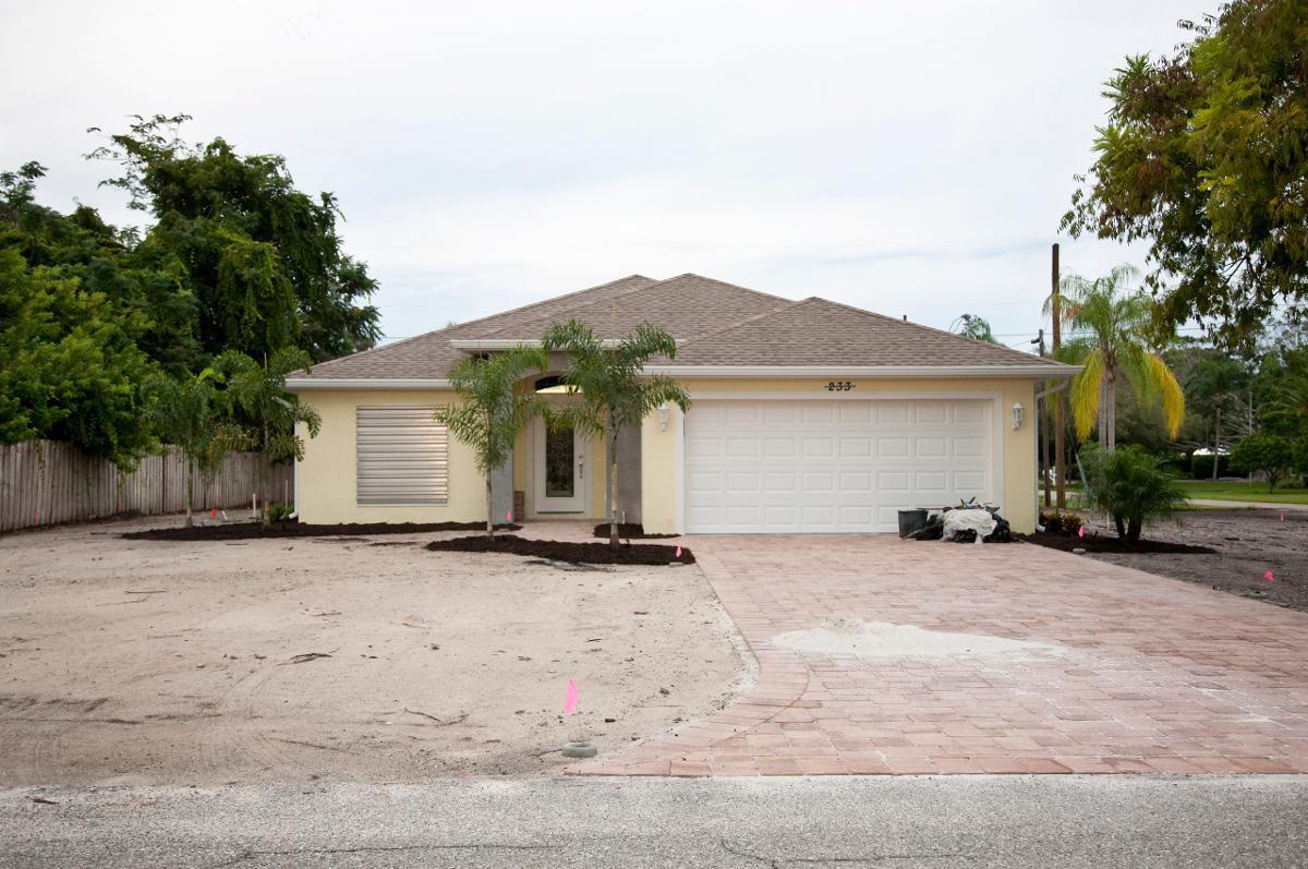 Building Contractors in Englewood, FL