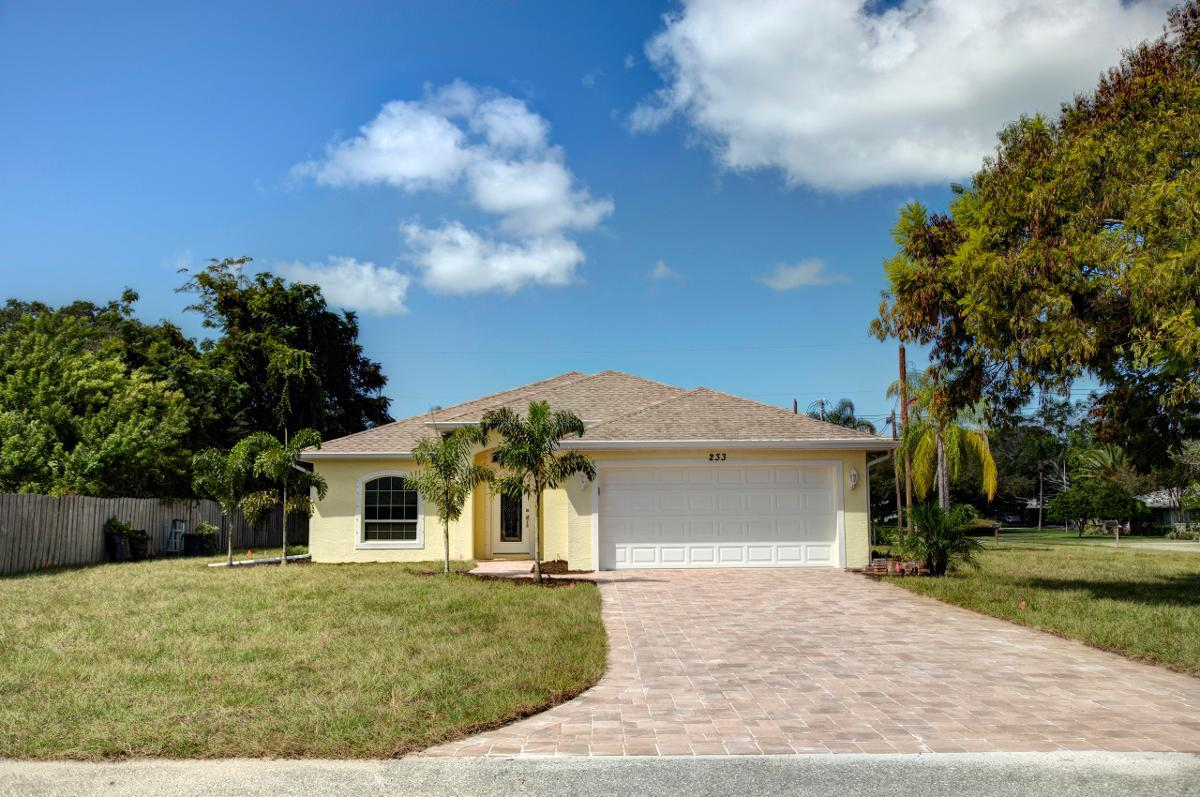 Home Construction in South Gulf Cove, FL