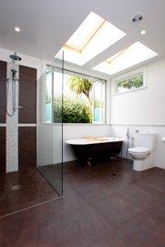 Villa extension with a new bathroom