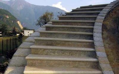 scala in granito