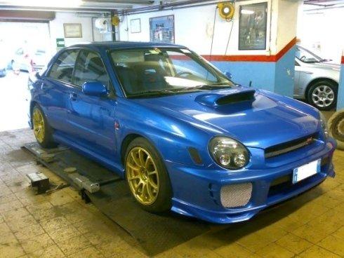 auto blu in riparazone