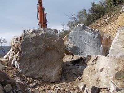 Estrazione blocchi Pietra Arenaria di Verezzo