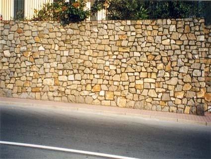 Lavorazione a mosaico con pietra facciavista