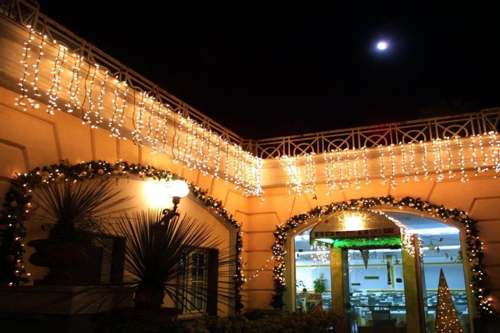 Allestimento con luci e addobi, Ristorante Zi Teresa, Napoli