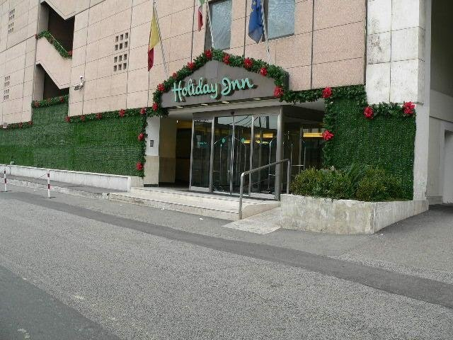 Addobbo esterno Holiday Inn, Napoli