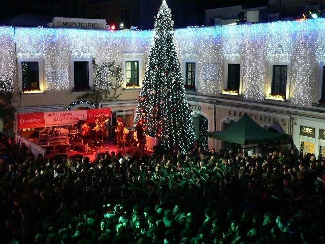 Albero natalizio ecologico gigante