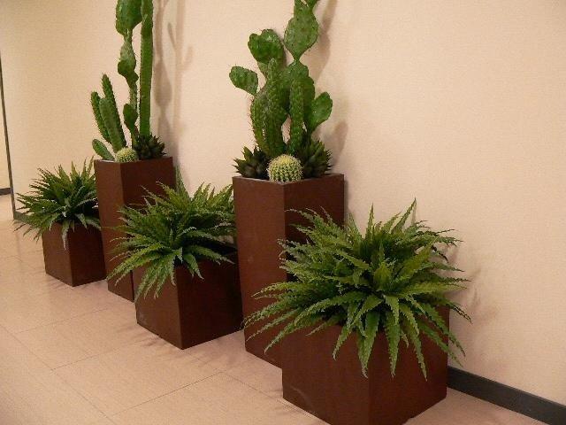 Fioriere per uffici con piante artificiali
