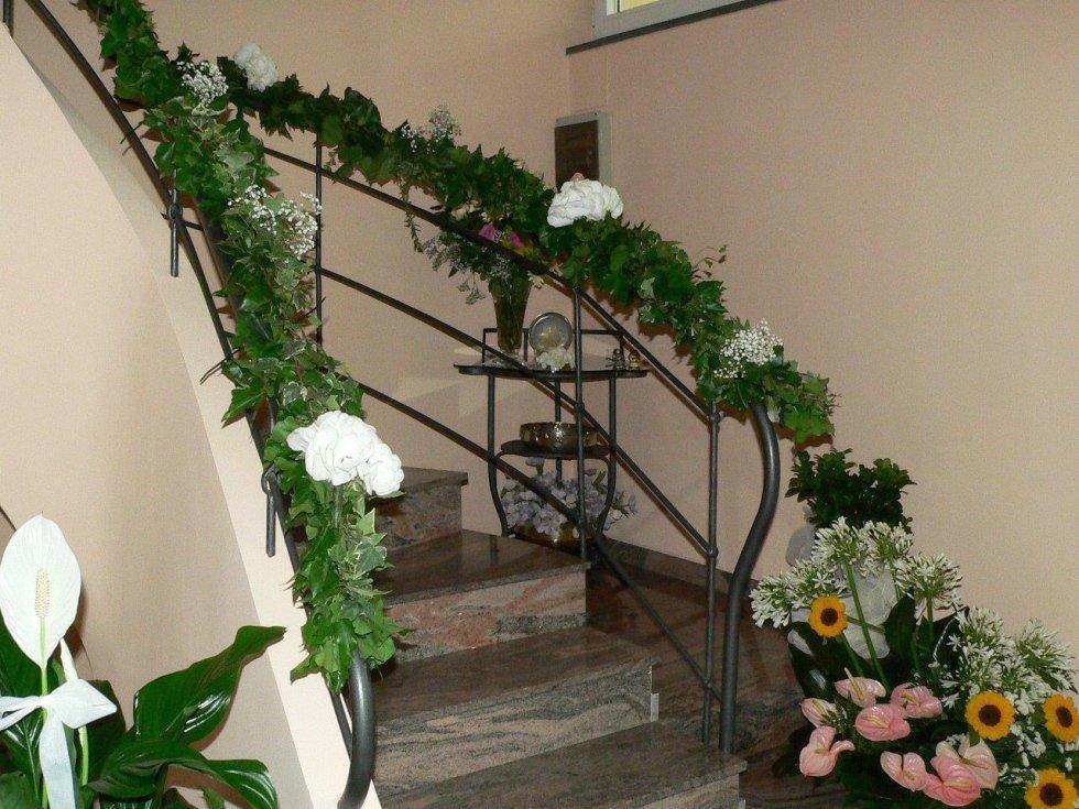 Addobbi scale matrimonio cd15 regardsdefemmes - Come addobbare la casa della sposa il giorno del matrimonio ...