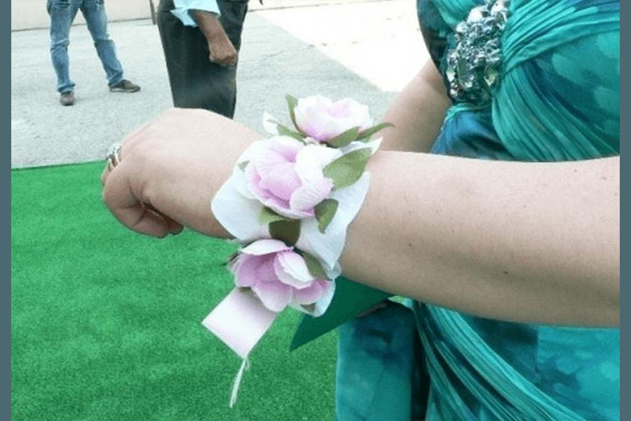 Braccialetto di fiori per matrimonio