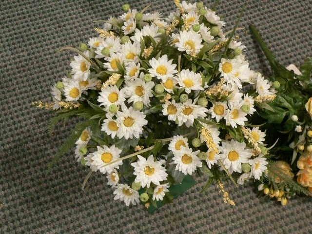 Mazzo di fiori artificiali