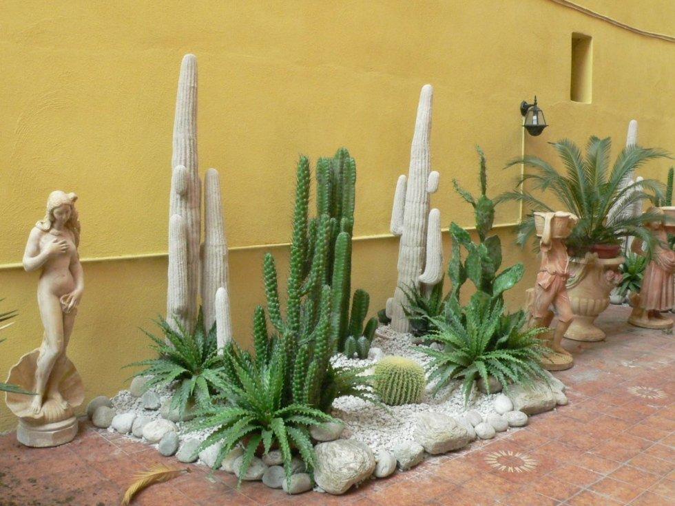 Composizione di piante artificiali
