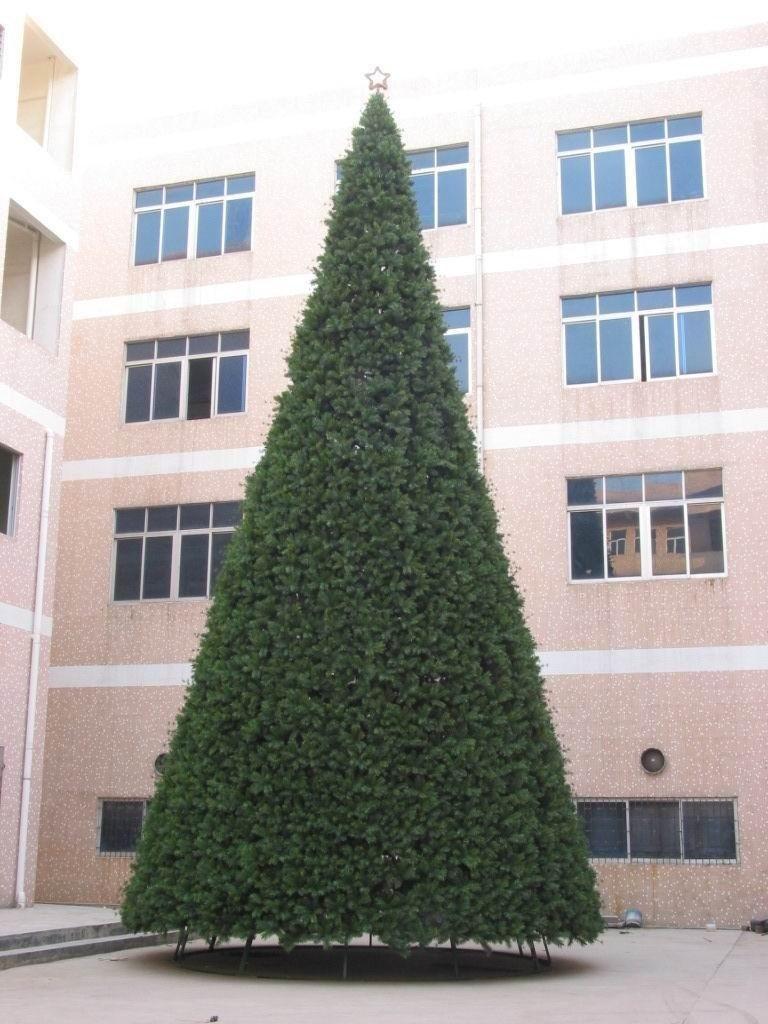 Albero di Natale gigante ecologico