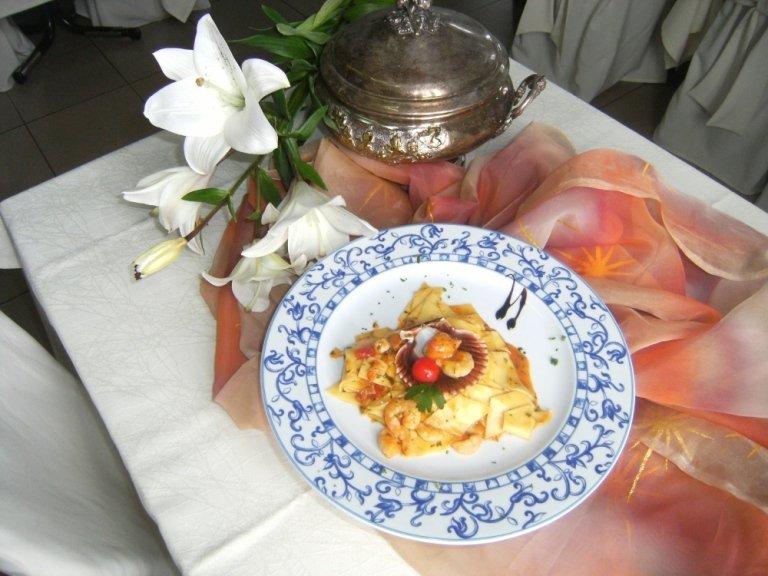 pasta con cappasanta e gamberetti