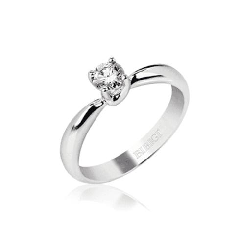 anello d'oro bianco con diamante