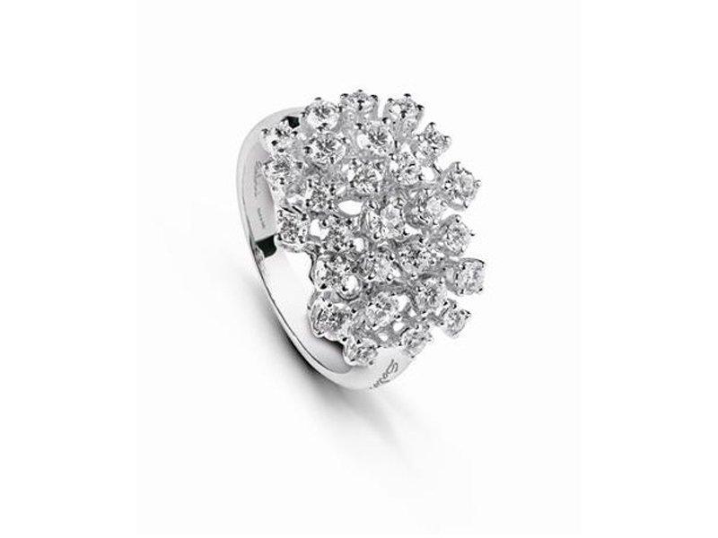 anello con brillanti sgargianti
