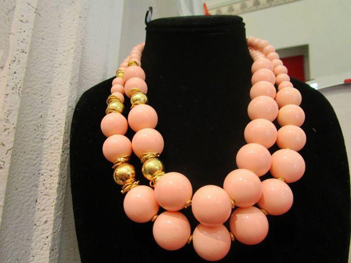 Collana in pasta di vetro color corallo