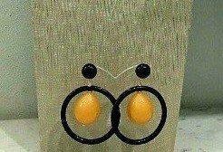 orecchini a buco con cerchio