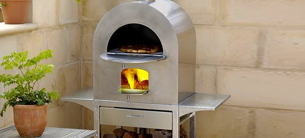 pizza oven in backyard
