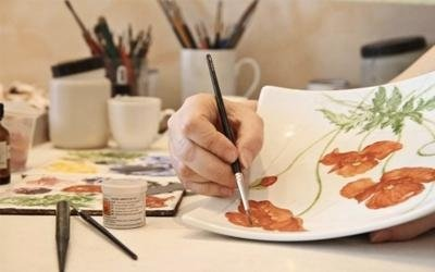 Decorazioni personalizzate su ceramica