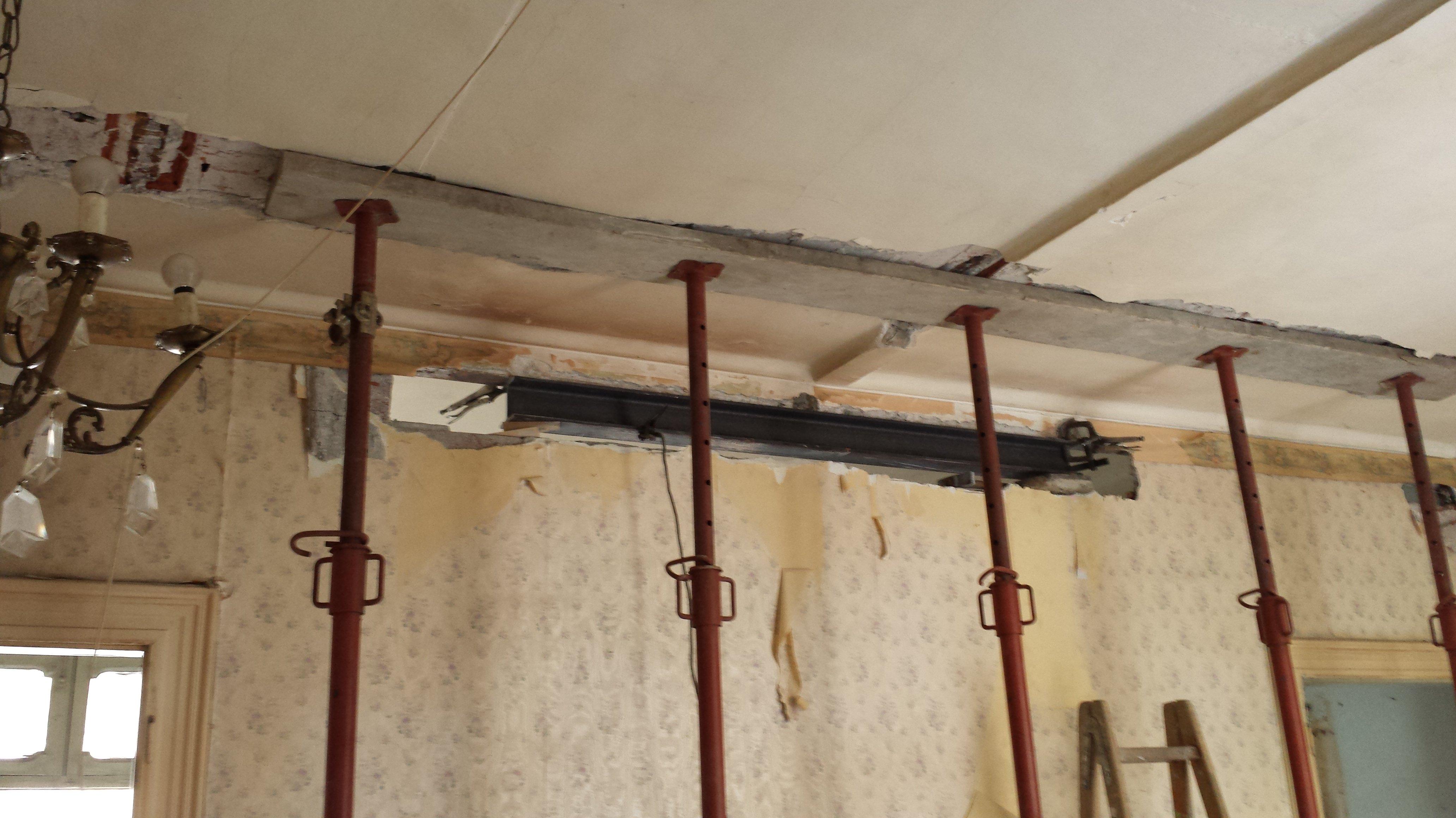 Installazione di un controsoffitto