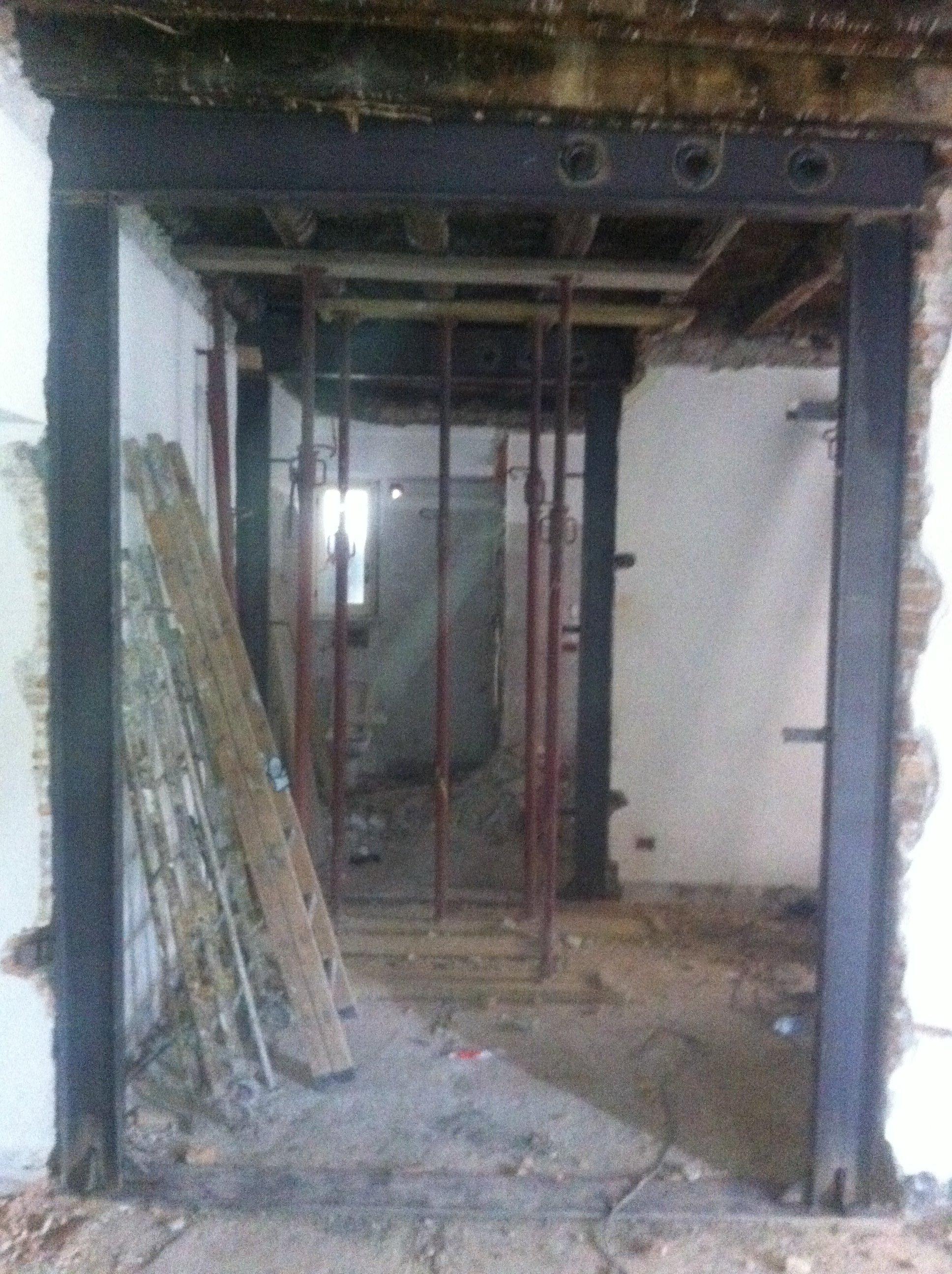 Interno di una stanza in ristrutturazione