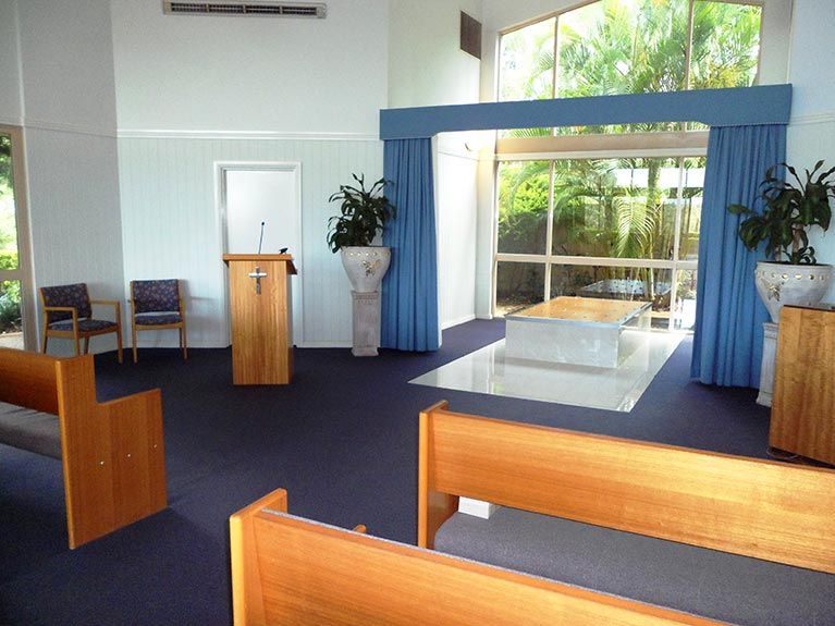 This is an image of the Mt Gravatt Crematorium Chapel looking from the right side