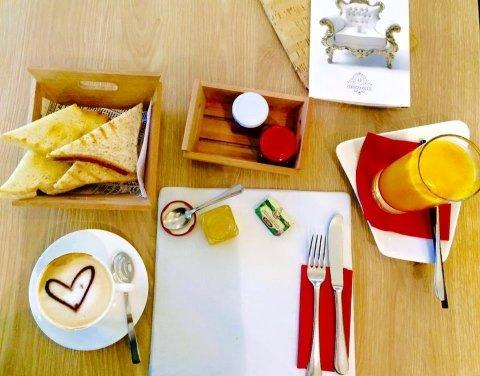 L'ora della prima colazione
