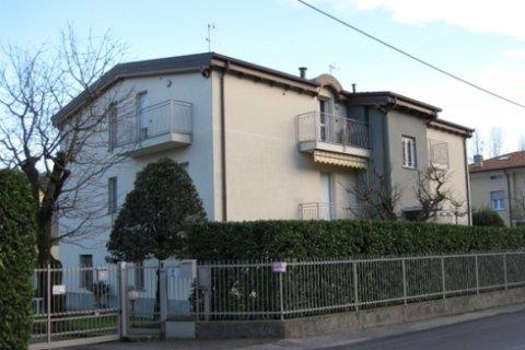 Villa bifamigliare ristrutturata