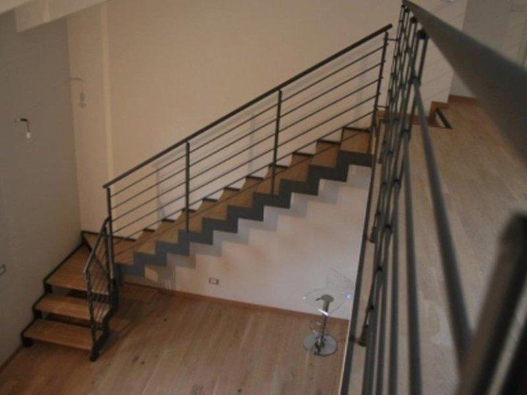 Progettazione e vendita di scale a giorno roma arredo casa for Scale d arredo per interni