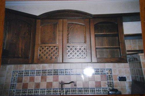 mensole in legno cucina