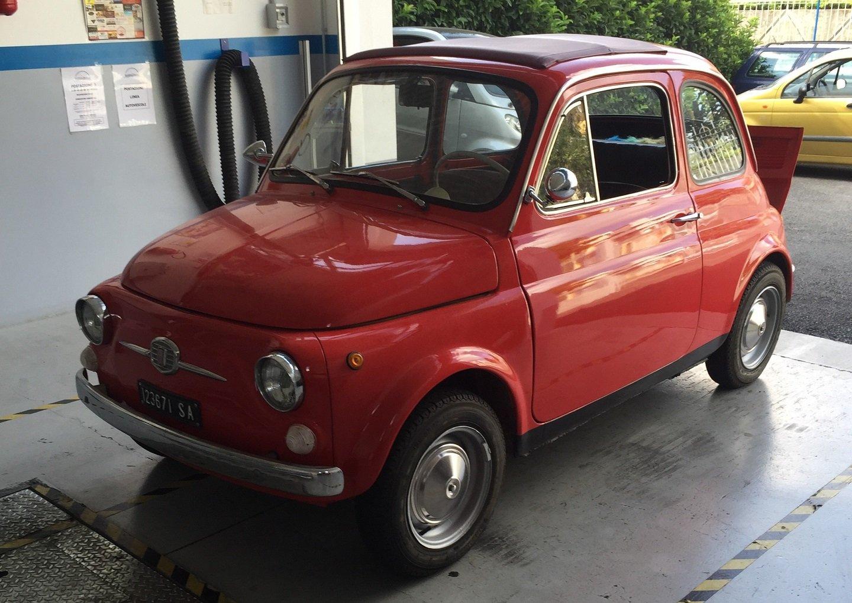 Fiat 500 rossa