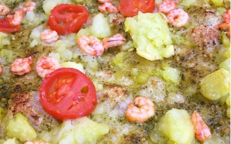 Pizza gamberetti e pomodoro