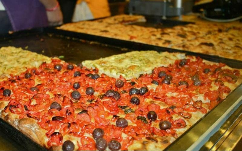 Pizza pomodorini e olive
