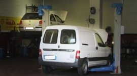 Ricambi per fuoristrada, ricambi per veicoli industriali, assistenza sistemi di navigazione