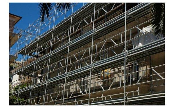 ponteggio costruzione edifici
