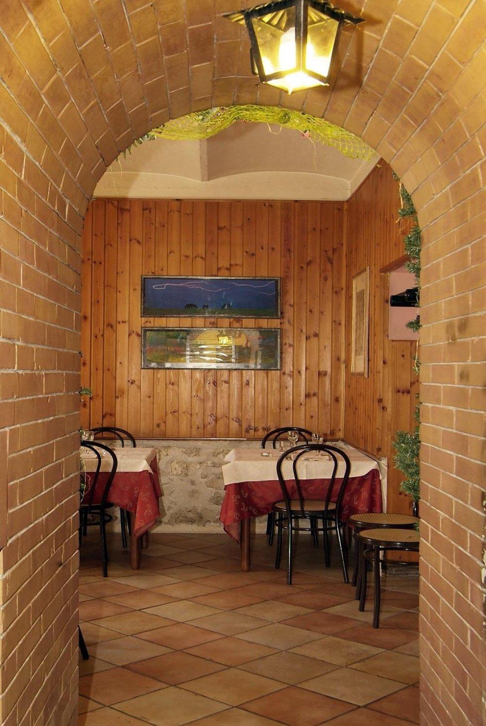 interni ristorante grottino