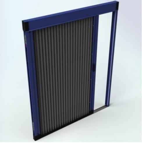 disegno di una finestra con rifiniture blu e nere con un anta scorrevole