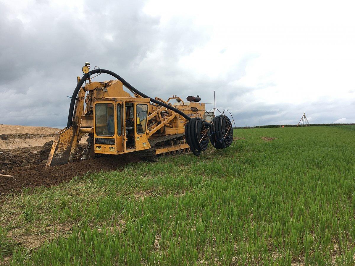 agricultural digging machine
