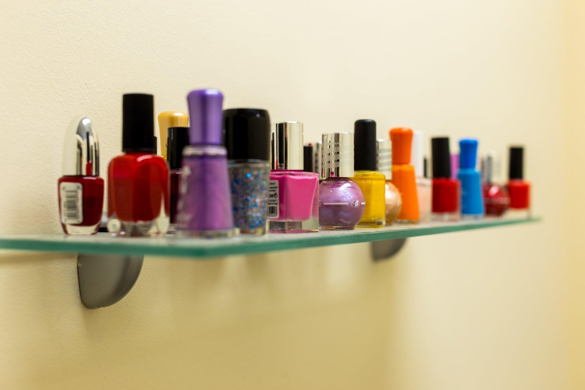 smalti e prodotti per unghie