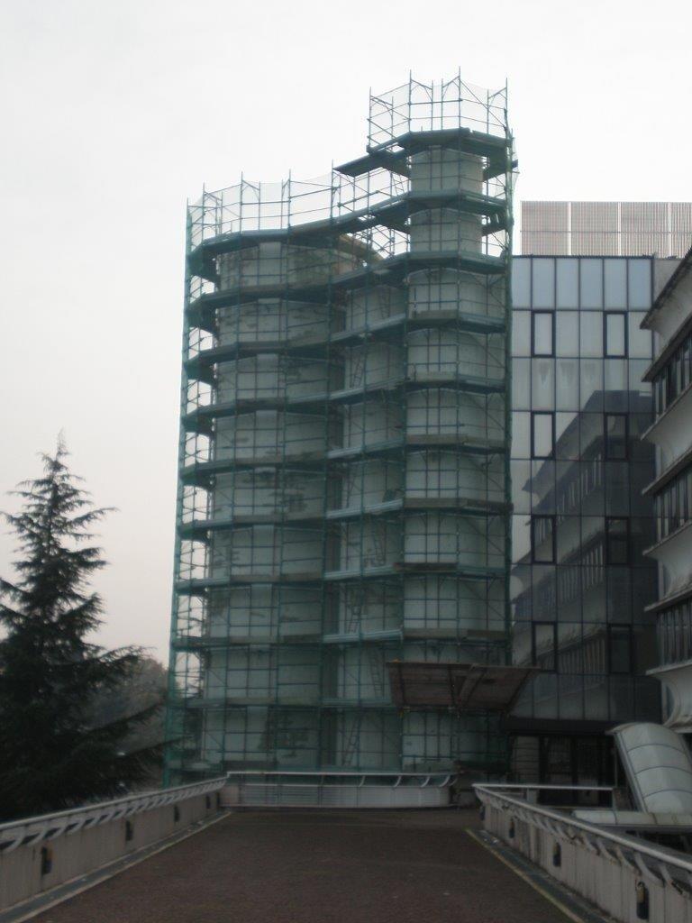 ponteggio manutenzione edificio