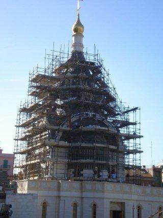 ponteggio costruzione chiesa