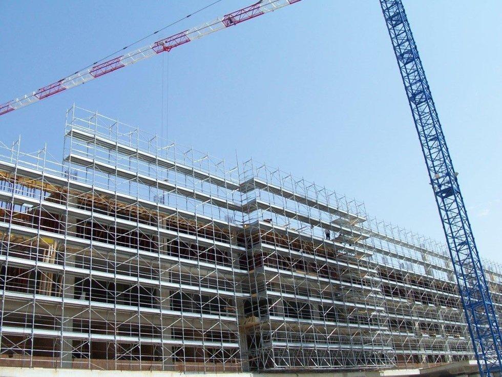 ponteggio costruzione edificio