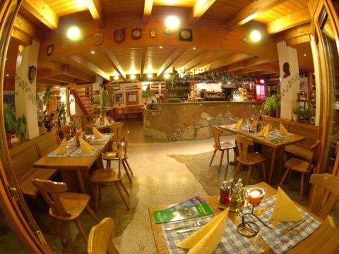 La sala del ristorante La Sorgente