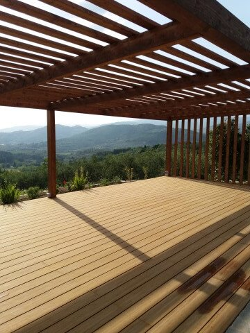 copertura con assi di legno