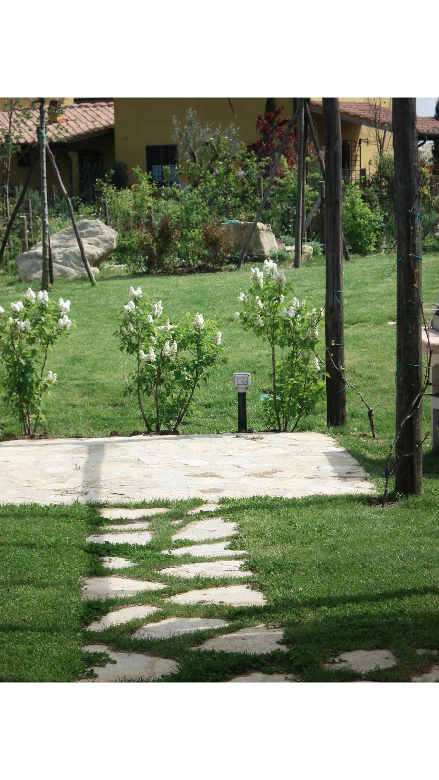 gazebo in giardino