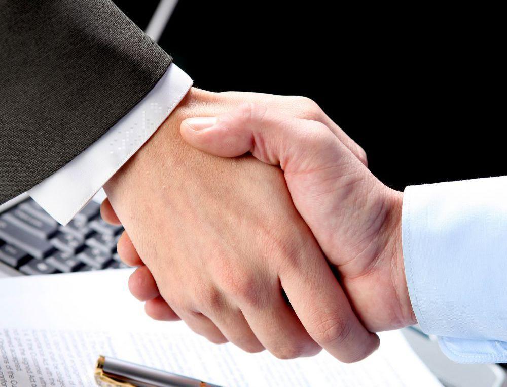 bankruptcy law team handshake in Warner Robins, GA