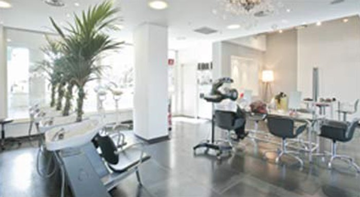 interno del salone di parrucchieri